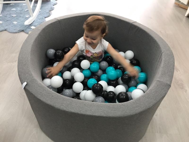 Piscina de bolas la habitaci n de julieta for Bolas para piscina